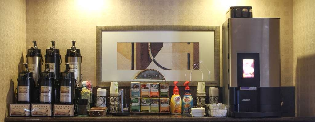 Best Western Plus Bayside Hotel - A large selection of coffee and tea available 24-hours a day.