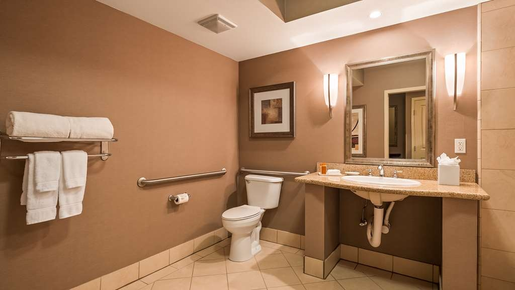 Best Western Plus Bayside Hotel - We've designed our ADA mobility accessible rooms to make our guests with disabilities feel more comfortable.