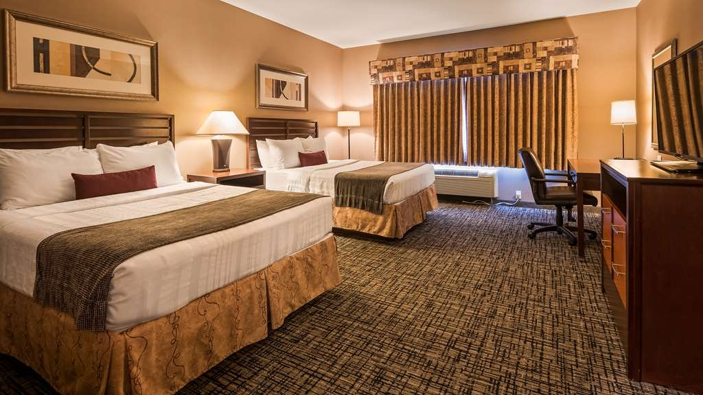 Best Western Plus Bayside Hotel - Our standard Double Queen City View offers the comforts of home with a few added amenities that will make your stay extra special.