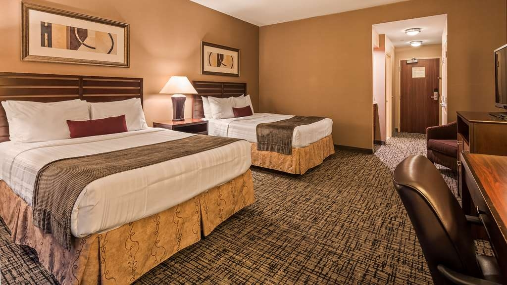 Best Western Plus Bayside Hotel - Our beautiful rooms are some of the largest available in Oakland. We have the added perk of the water view.