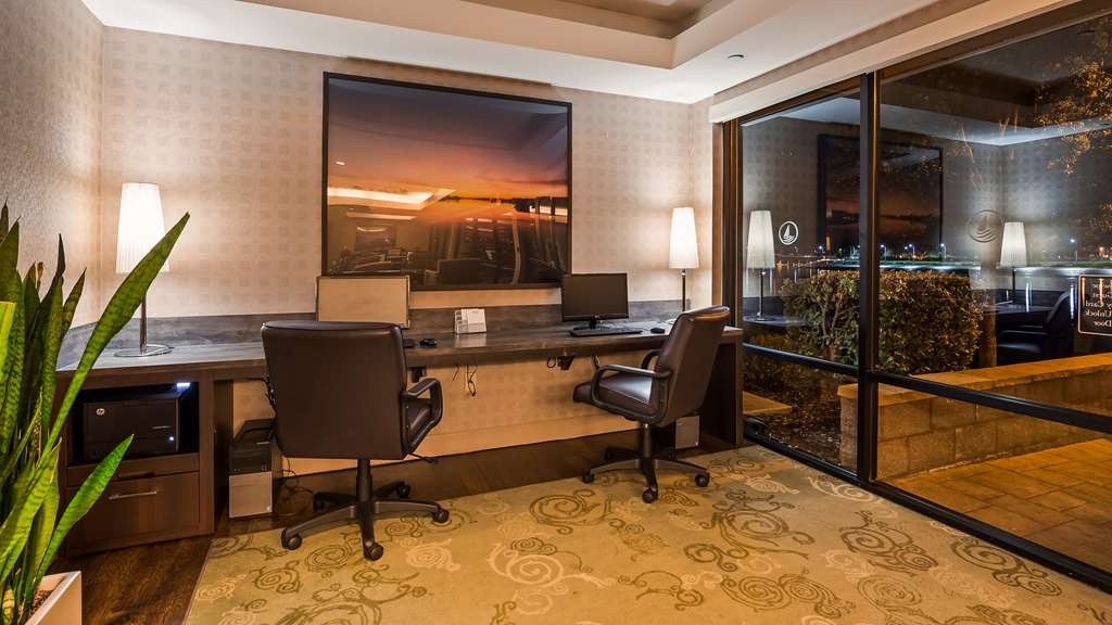 Best Western Plus Bayside Hotel - Stay productive during your time away from home in our business center.