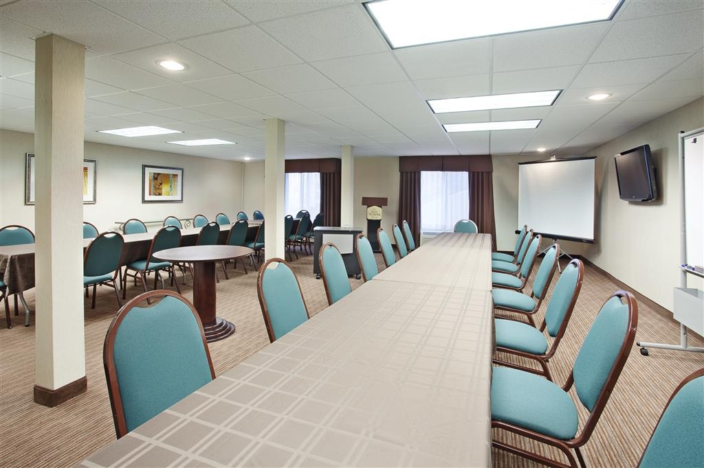 Best Western Plus Marina Shores Hotel - Riviera Meeting Room - Accommodates up to 50 Theater Style
