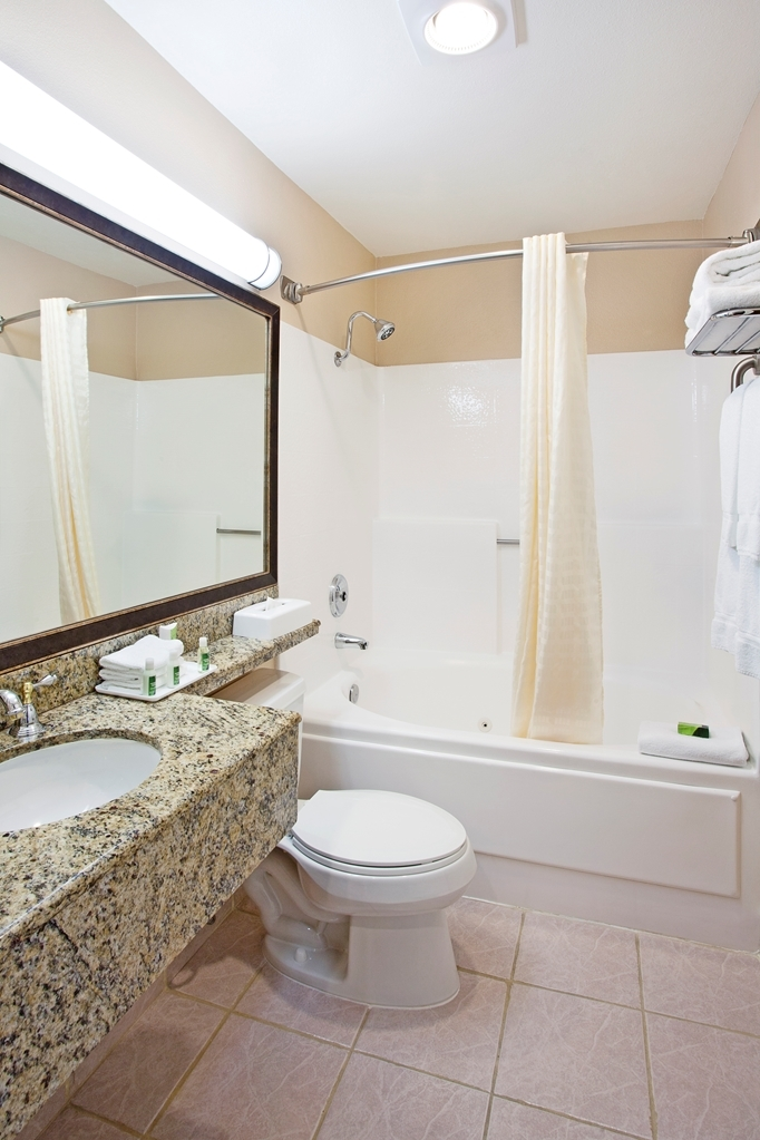 Best Western Plus Marina Shores Hotel - Our sparkling clean guest bathrooms have jetted tubs and granite countertops.