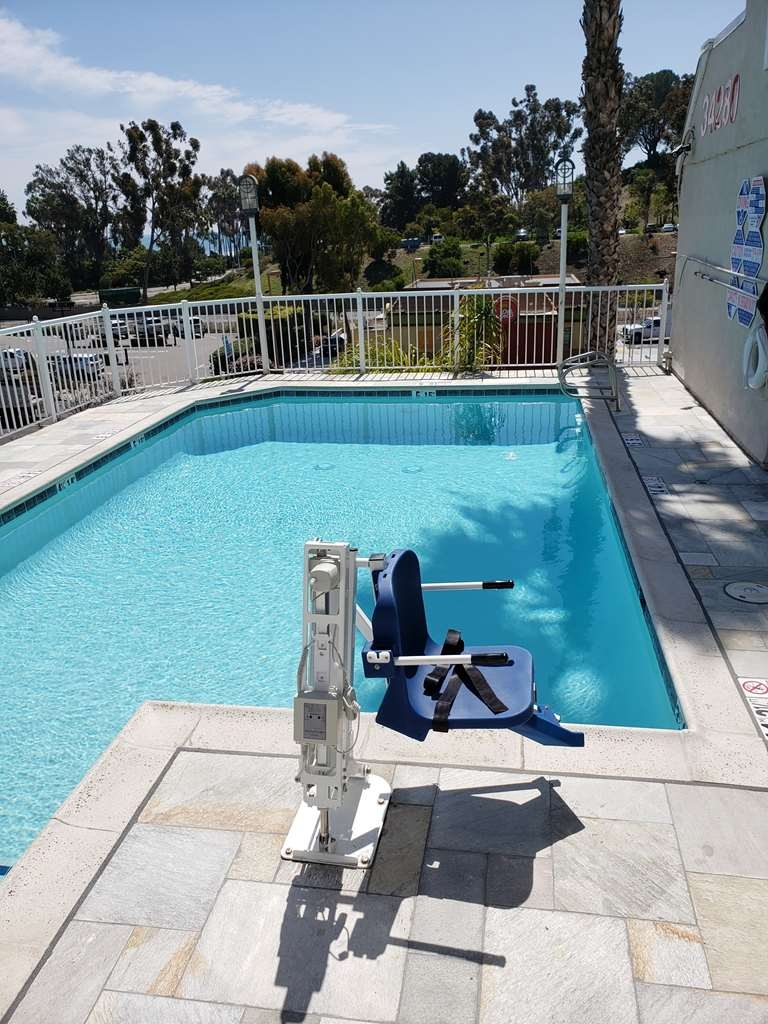 Best Western Plus Marina Shores Hotel - Outdoor Heated Pool