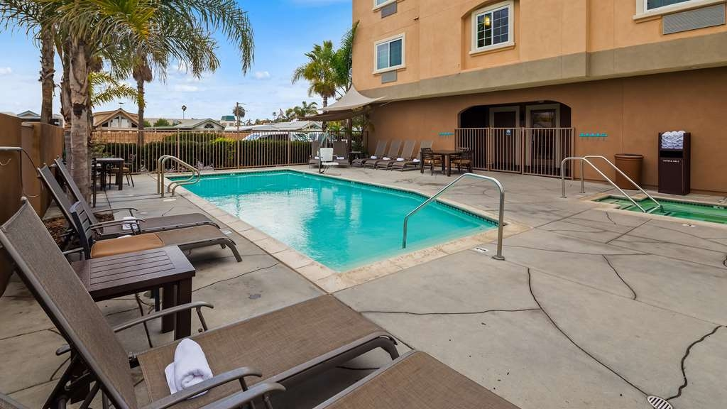 Best Western Plus Oceanside Palms - Vista de la piscina