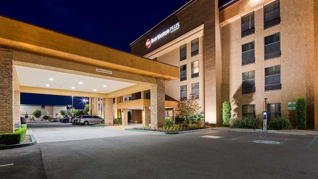 Best Western Plus Fresno Airport Hotel - Aussenansicht