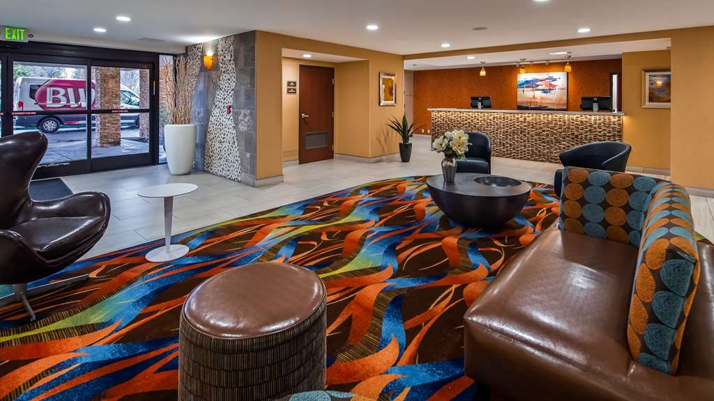 Best Western Plus Fresno Airport Hotel - Vista del vestíbulo