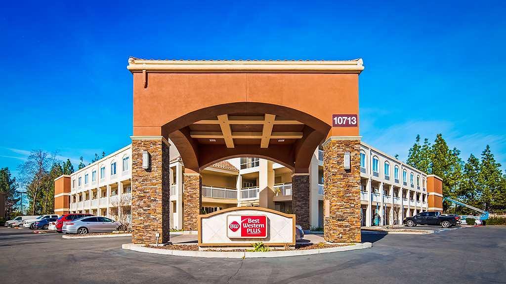 Best Western Plus Rancho Cordova Inn - Facciata dell'albergo