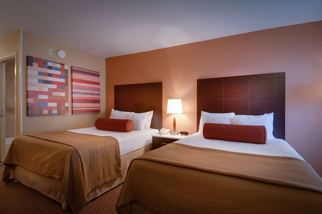 Best Western Plus Rancho Cordova Inn - Traveling with a friend? Book our spacious 2 double guest room.