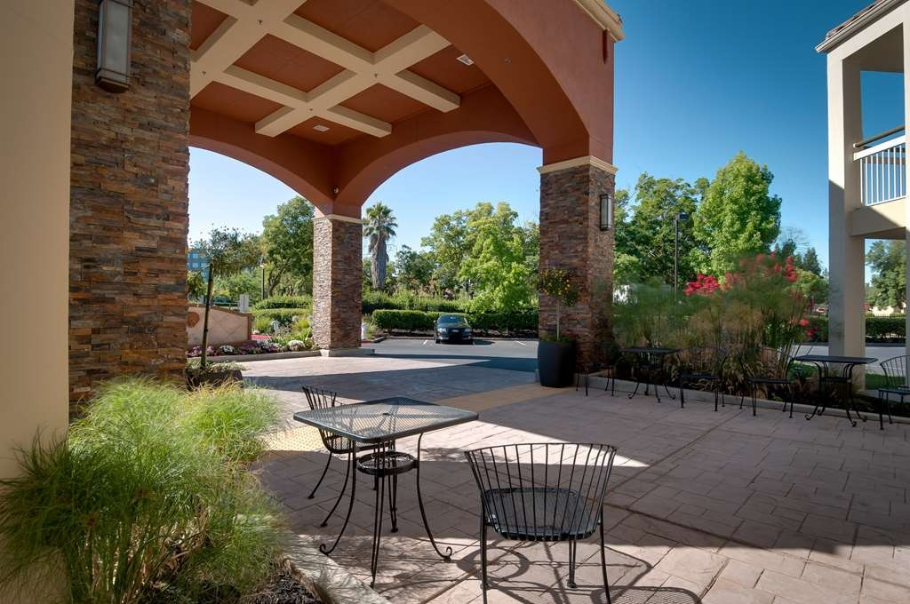 Best Western Plus Rancho Cordova Inn - Enjoy the fresh air from the comfort of our hotel.