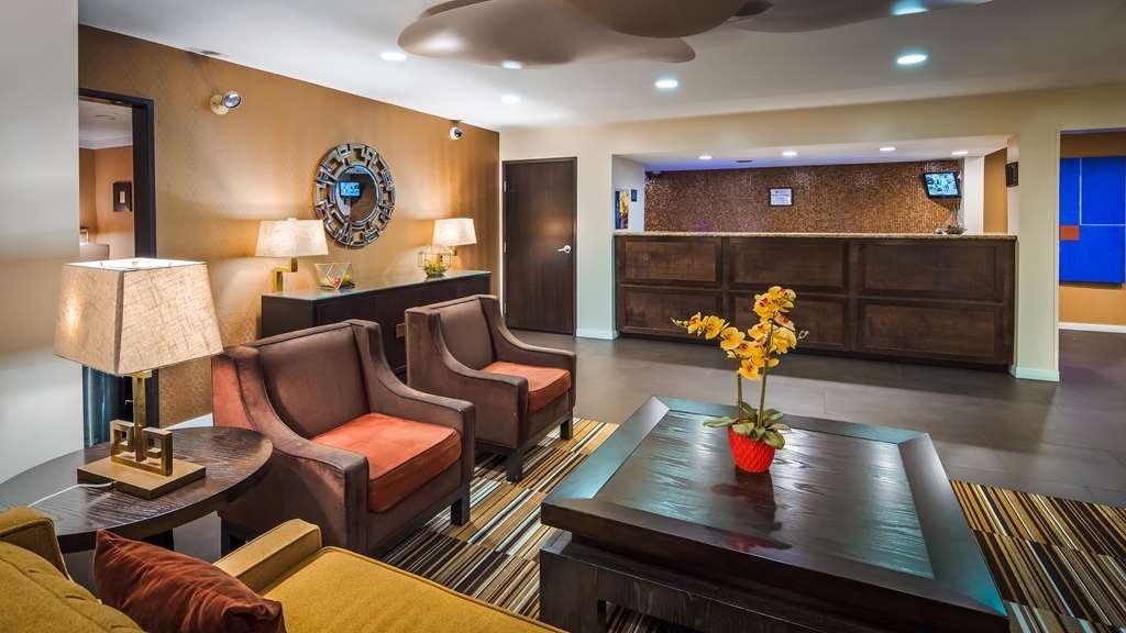 Best Western Plus Rancho Cordova Inn - Lobby