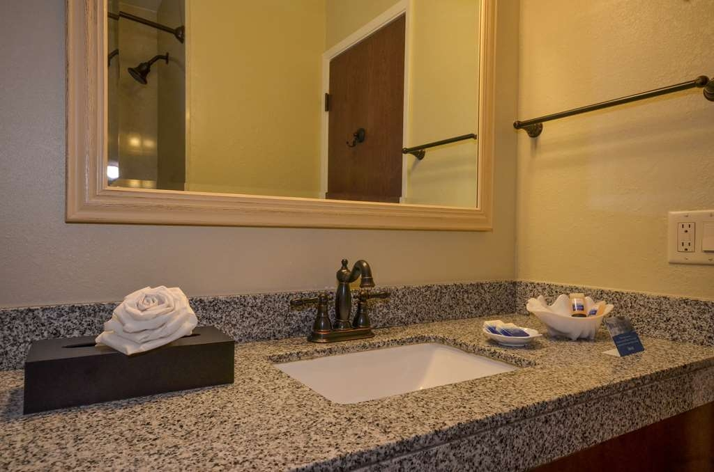 Best Western The Inn & Suites Pacific Grove - Bagno