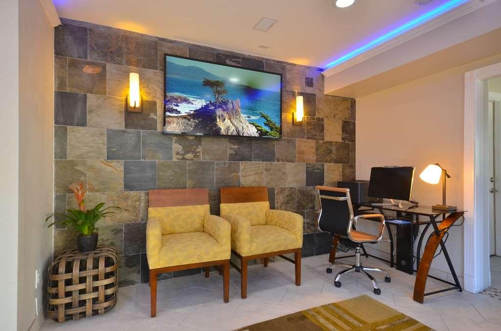 Best Western The Inn & Suites Pacific Grove - centre des affaires