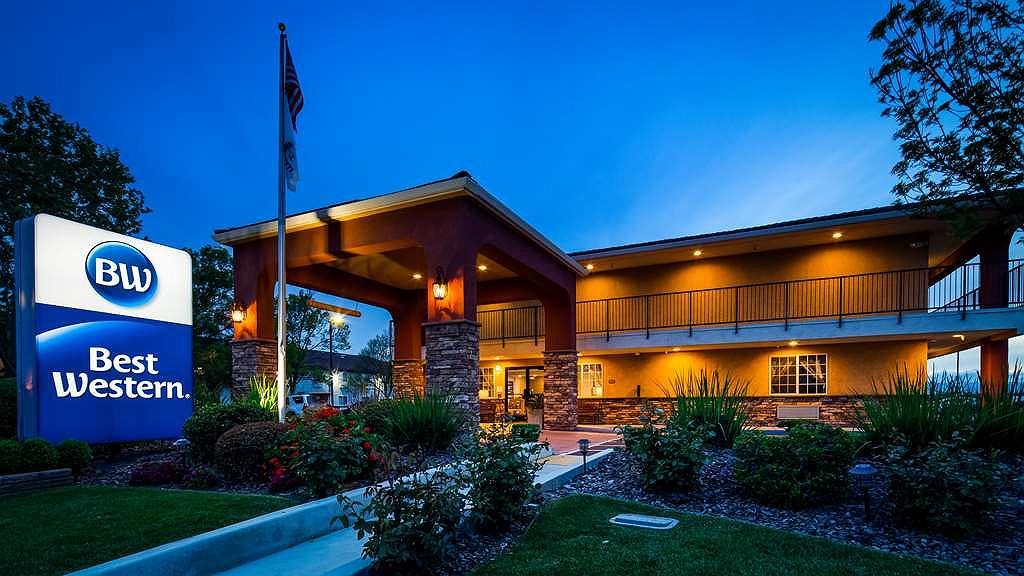 Best Western Willows Inn - Aussenansicht