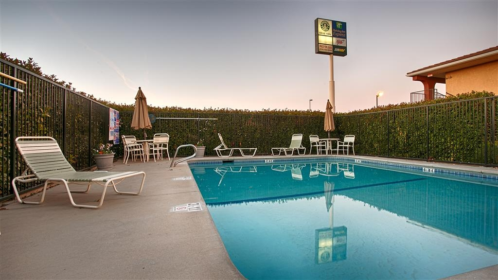 Best Western Willows Inn - Piscina