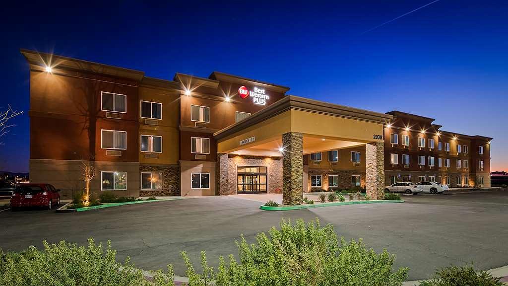 Best Western Plus Desert Poppy Inn - Vista exterior