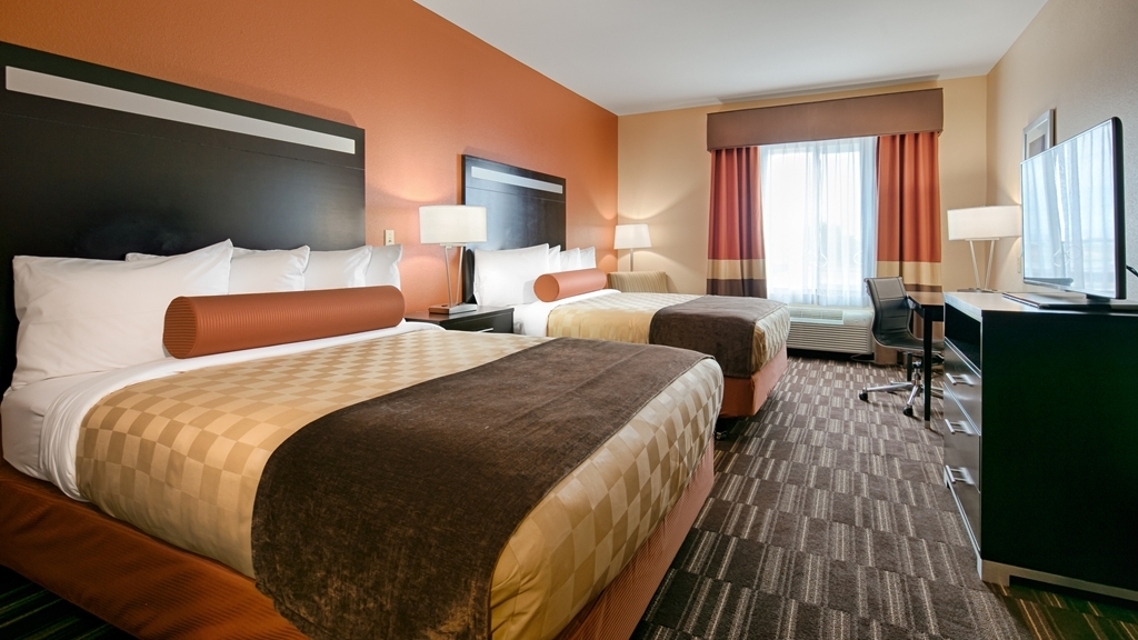 Best Western Plus Desert Poppy Inn - Indulge yourself in our warm, welcoming and inviting two queen guest room.