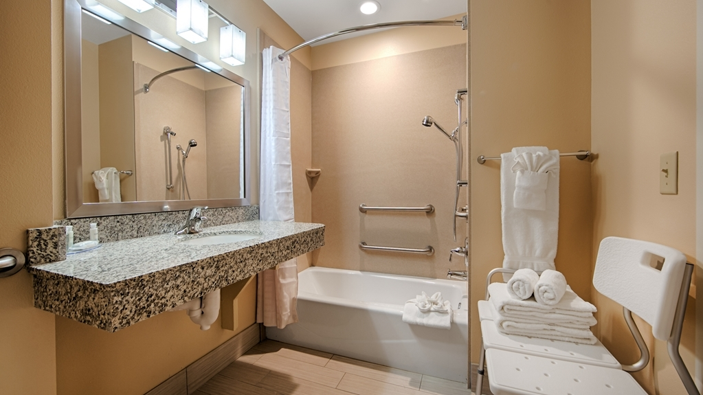 Best Western Plus Desert Poppy Inn - Baño