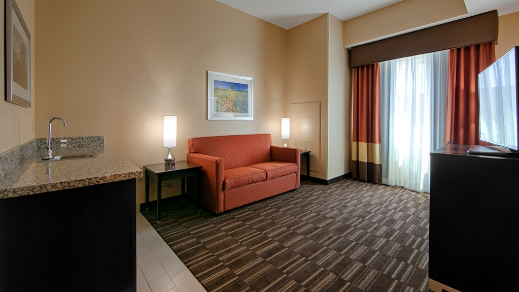 Best Western Plus Desert Poppy Inn - Suite