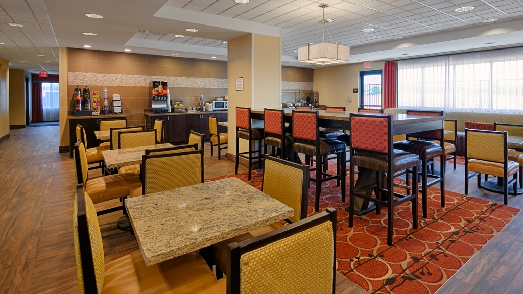 Best Western Plus Desert Poppy Inn - Desayuno Buffet
