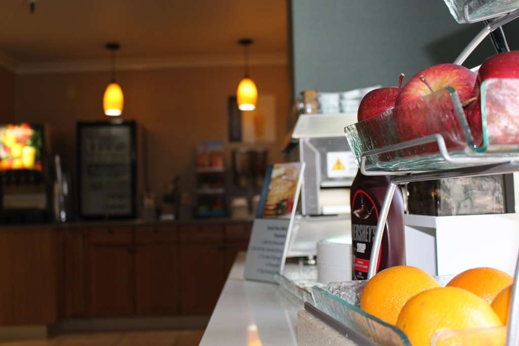 Best Western Plus La Mesa San Diego - We offer fresh whole fruit daily with apples, oranges, and bananas.
