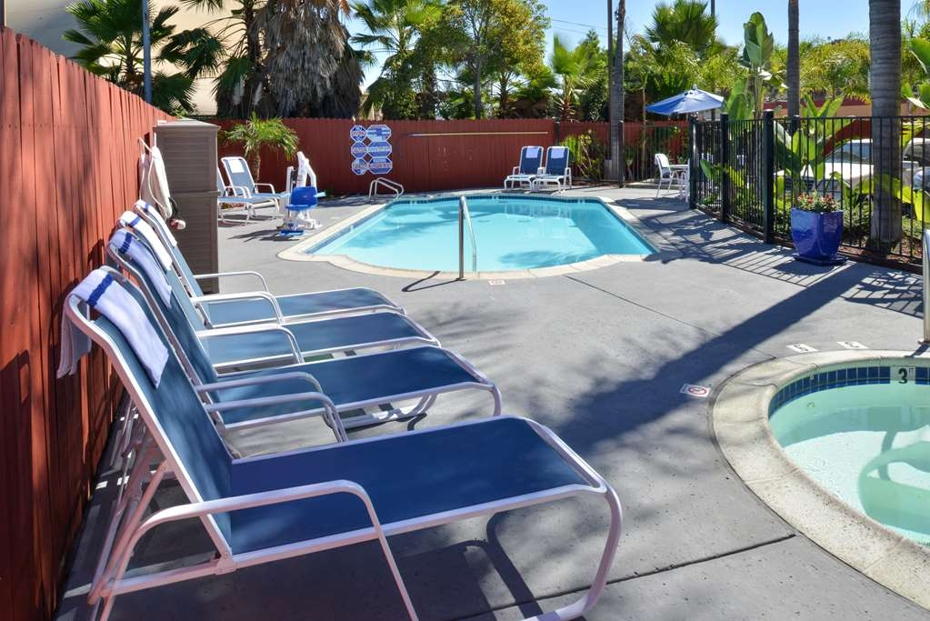 Best Western Plus La Mesa San Diego - Relax poolside on our lounge chairs while enjoying the sunny San Diego weather.