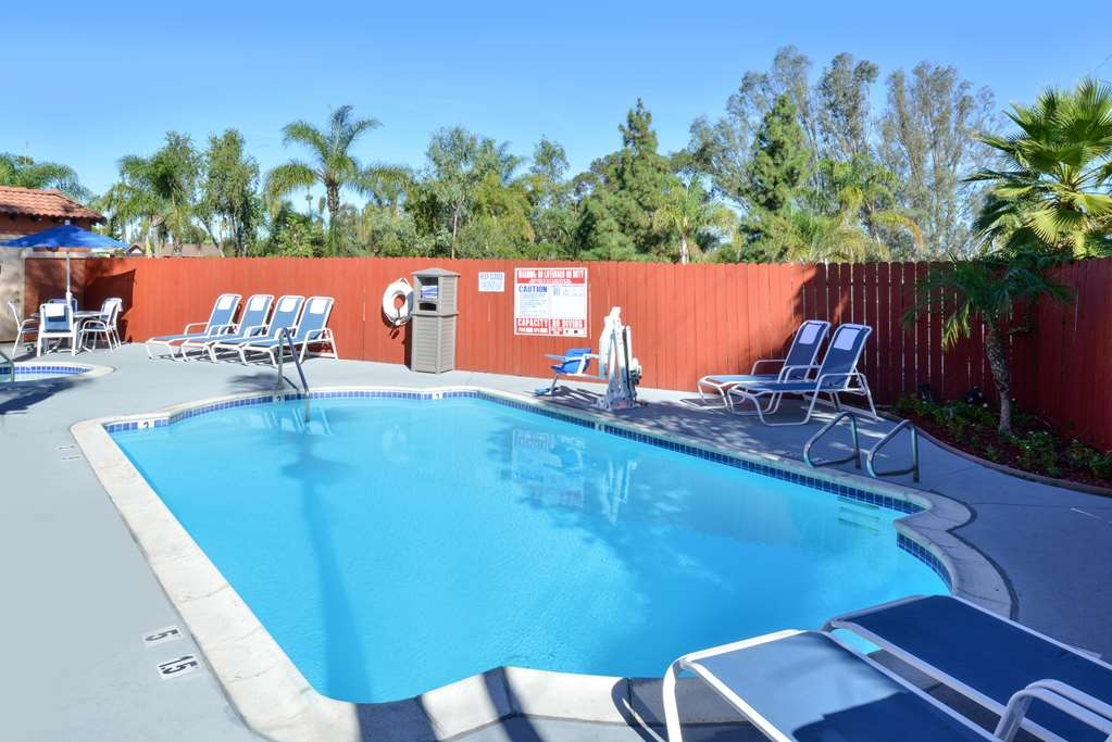 Best Western Plus La Mesa San Diego - Swim and splash around in our outdoor pool and heated Jacuzzi spa.