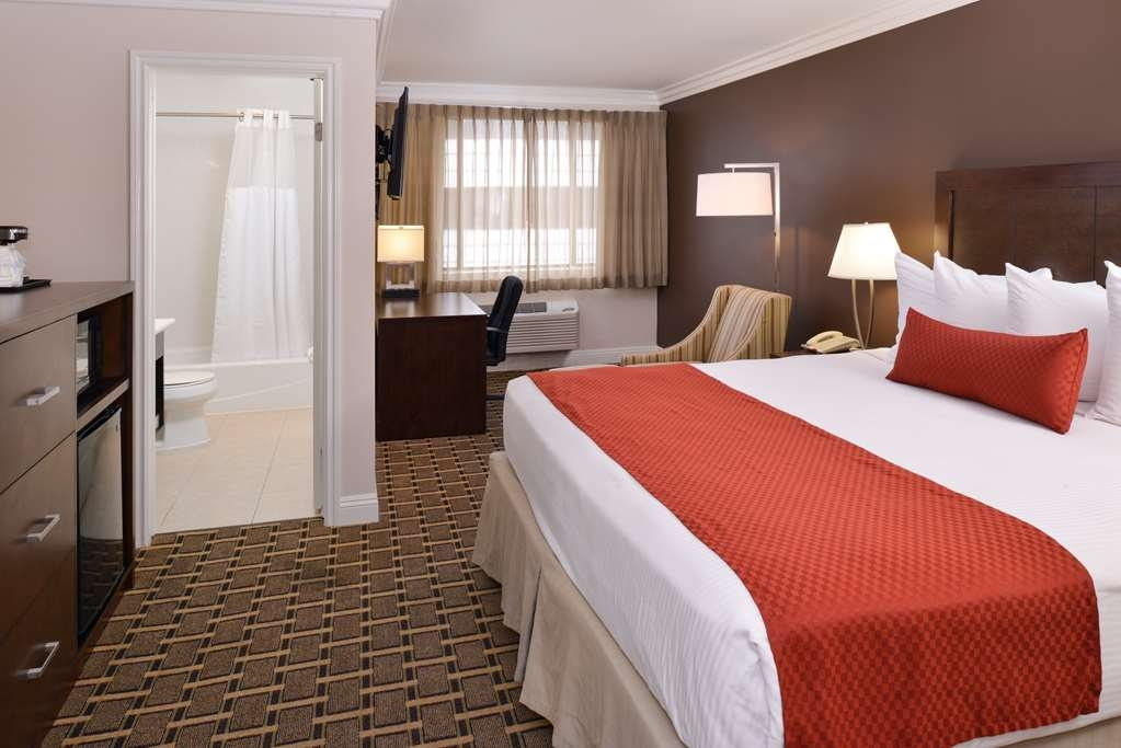 Best Western Plus LA Mid-Town Hotel - King Guest Room