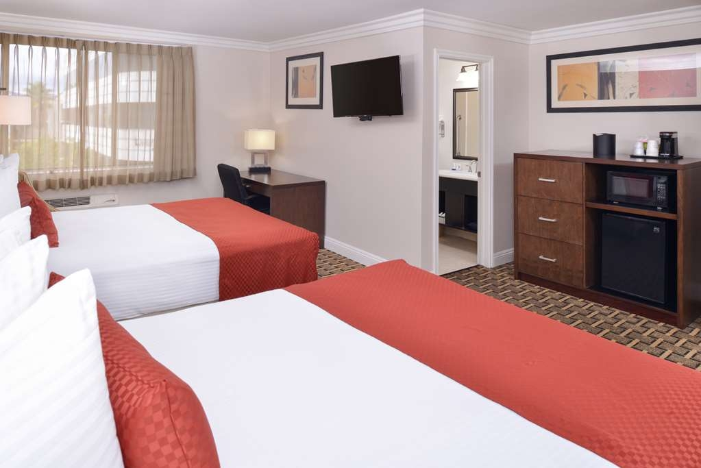 Best Western Plus LA Mid-Town Hotel - Double Queen Guest Room