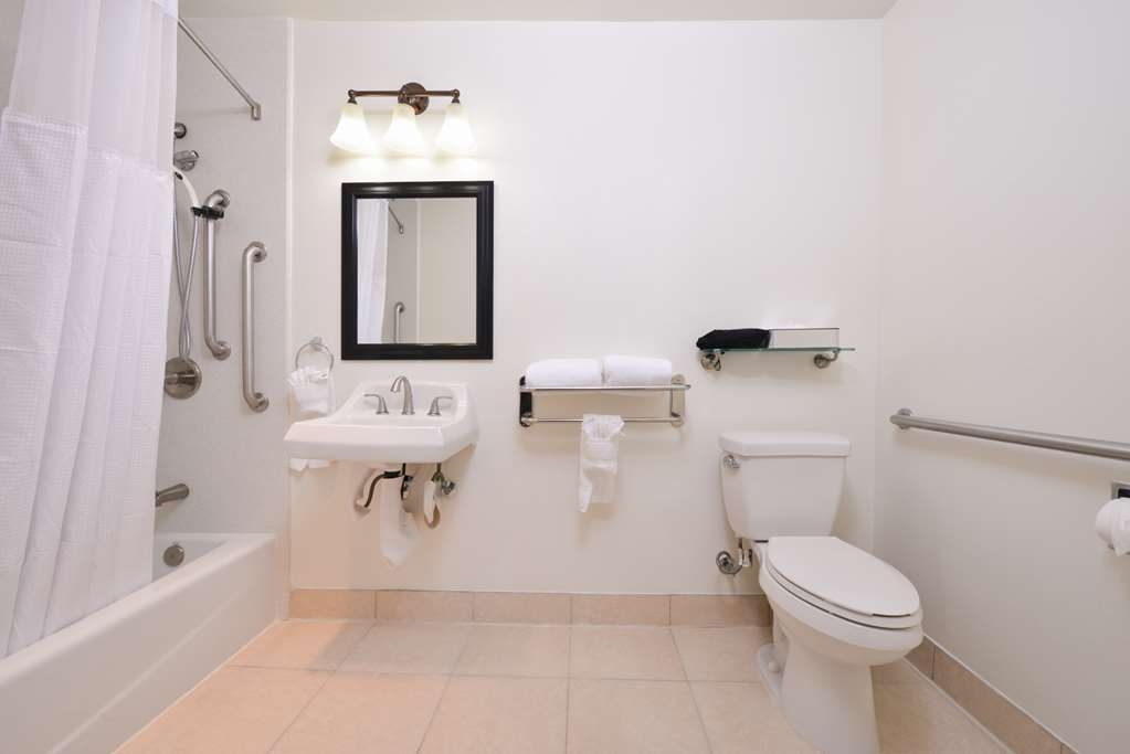 Best Western Plus LA Mid-Town Hotel - King Mobility Accessible Bathroom