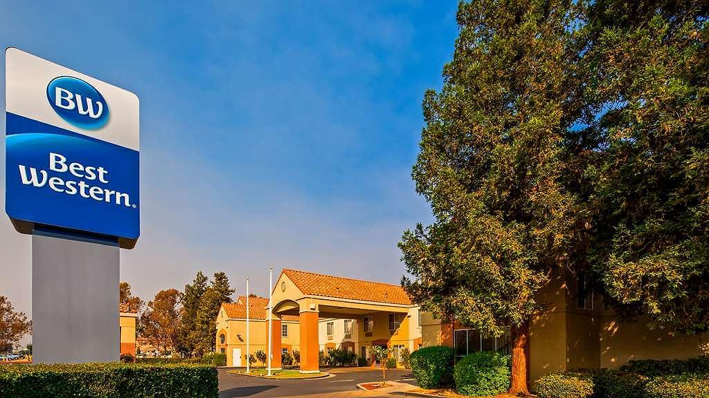 Best Western Brentwood Inn - Area esterna