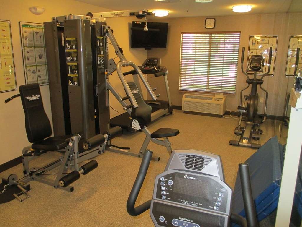 Best Western Brentwood Inn - exercise chambre