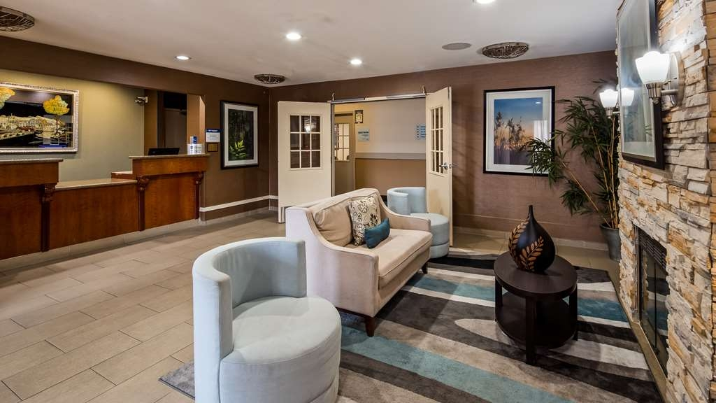 Best Western Brentwood Inn - Lobby view