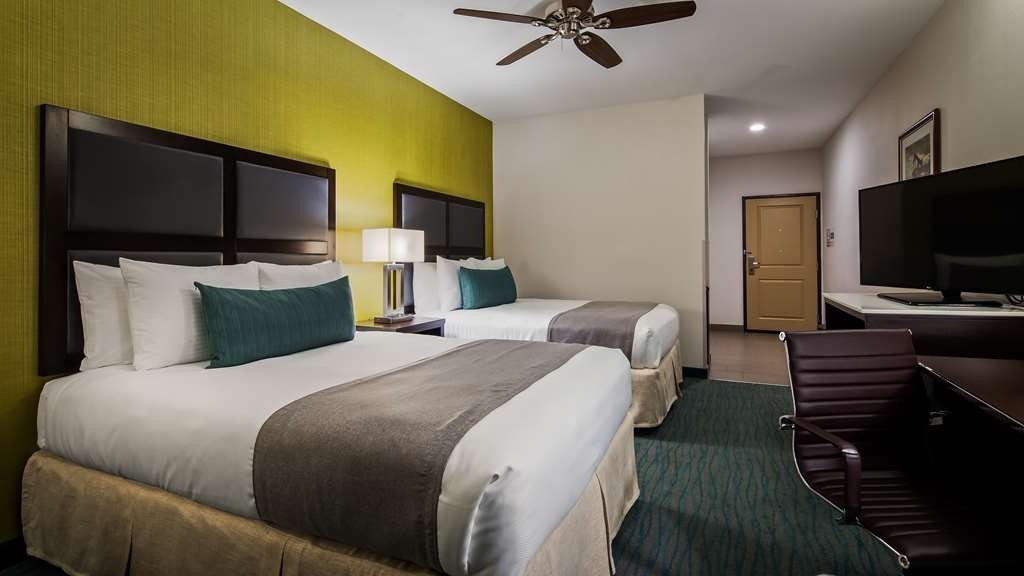 Best Western Plus Taft Inn - Two Queen Beds