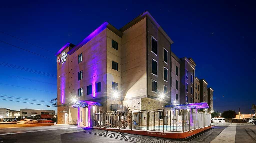 Best Western Plus Gardena Inn & Suites - Aussenansicht