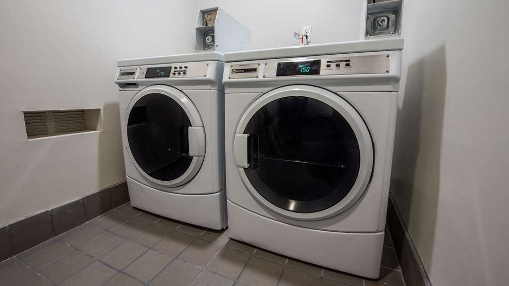 Best Western Plus Gardena Inn & Suites - Laundry Facilities
