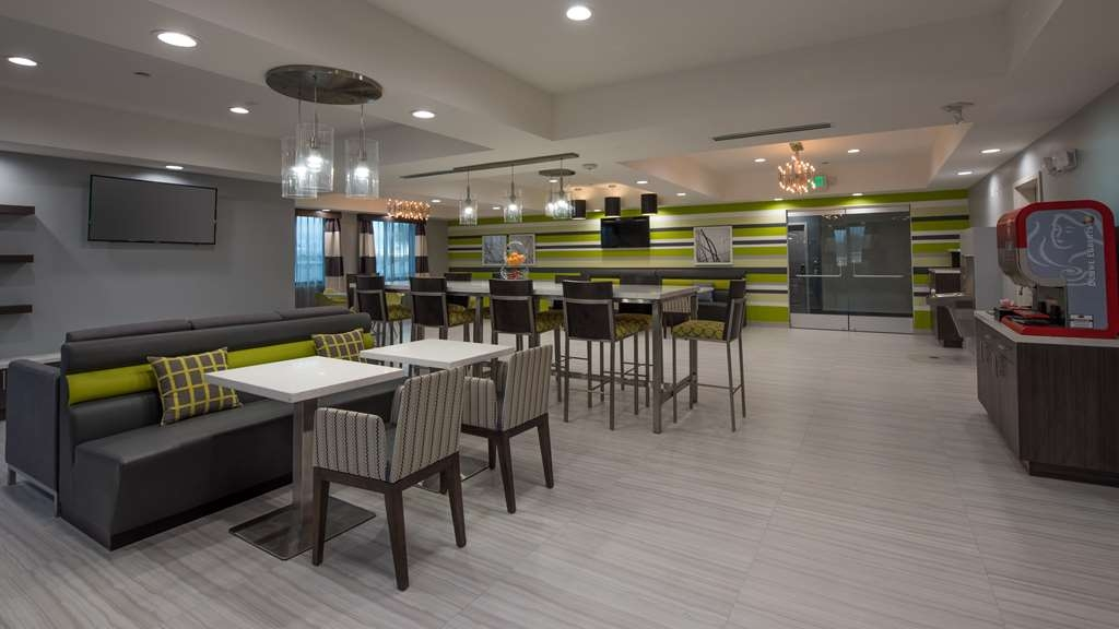 Best Western Plus Gardena Inn & Suites - Breakfast Area