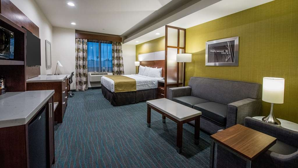Best Western Plus Gardena Inn & Suites - King Suite