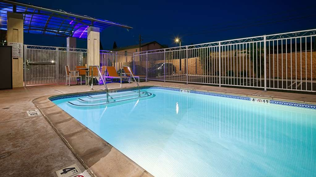 Best Western Plus Gardena Inn & Suites - Outdoor Pool