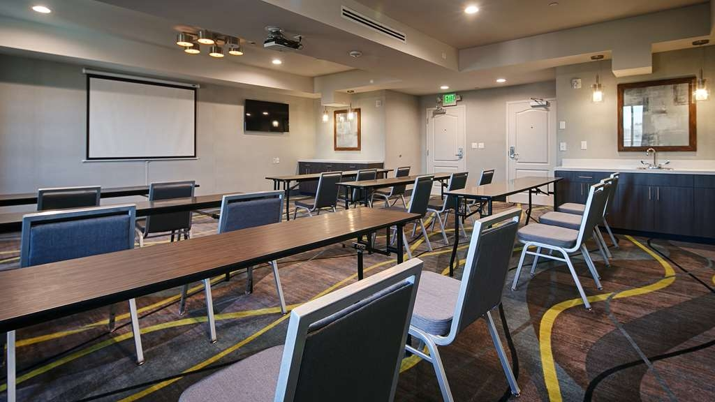Best Western Plus Gardena Inn & Suites - Meeting Space