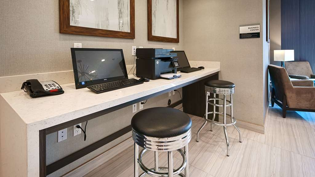 Best Western Plus Gardena Inn & Suites - Business Center