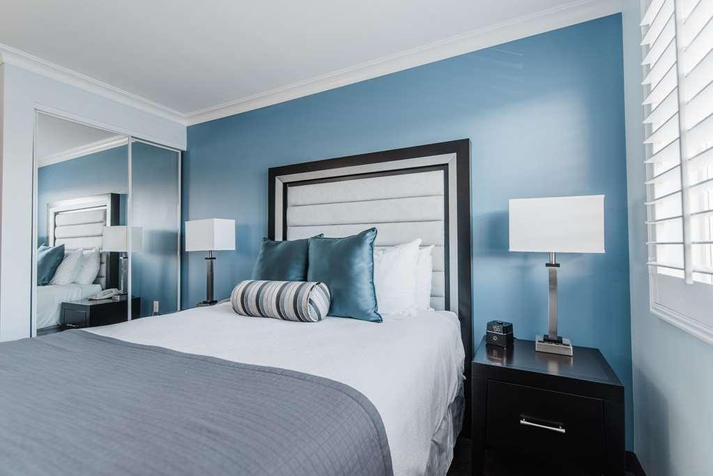 Best Western Plus Manhattan Beach Hotel - Suite 1 Queen Bed