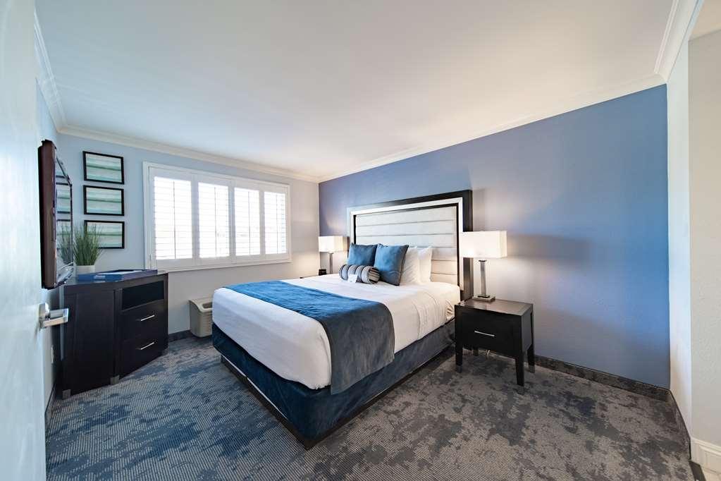 Best Western Plus Manhattan Beach Hotel - Suite