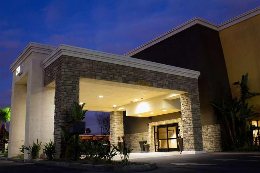 Best Western Plus Arrowhead Hotel - Front