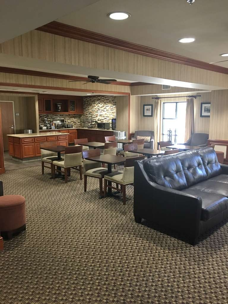 Best Western Plus Arrowhead Hotel - Lobby/Breakfast Room