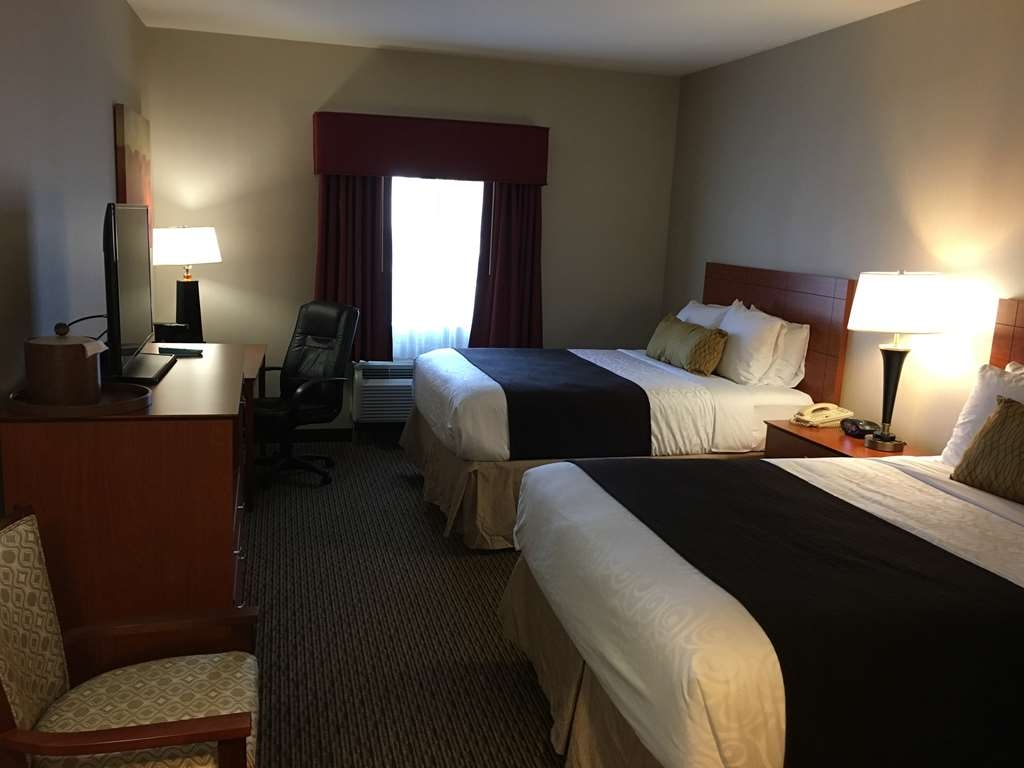 Best Western Plus Arrowhead Hotel - Two Queen Bed Guest Room