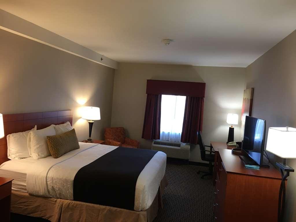 Best Western Plus Arrowhead Hotel - King Bed Guest Room