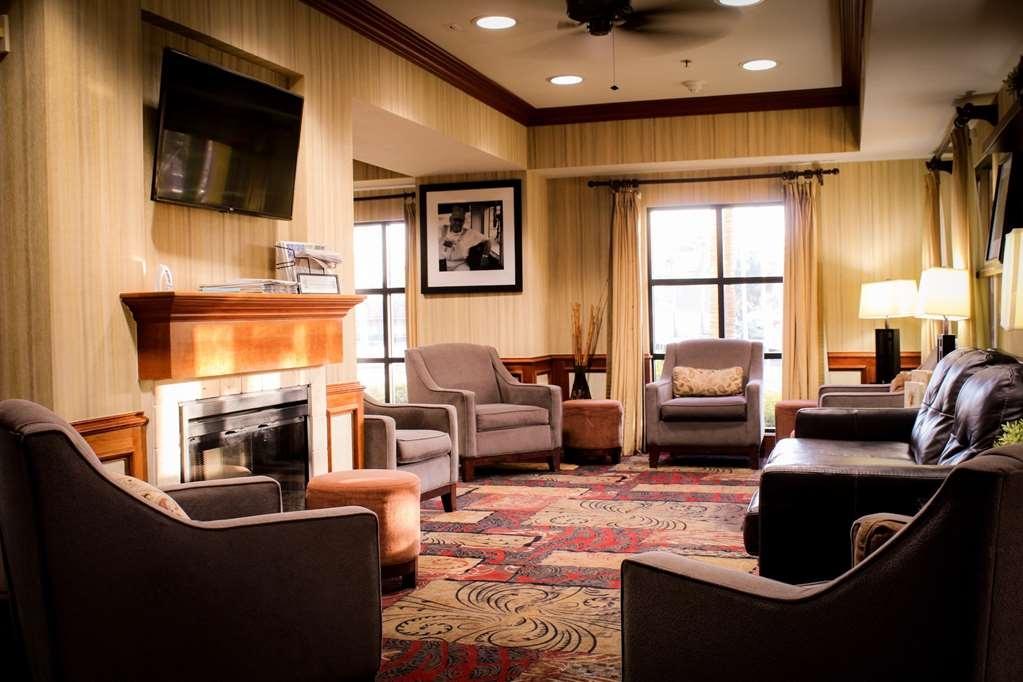 Best Western Plus Arrowhead Hotel - Vista del vestíbulo