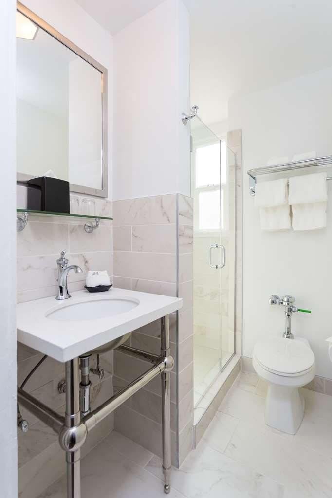 The Cartwright Hotel - Union Square, BW Premier Collection - Guest Bathroom