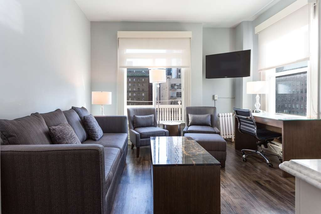 The Cartwright Hotel - Union Square, BW Premier Collection - King Suite Living Area